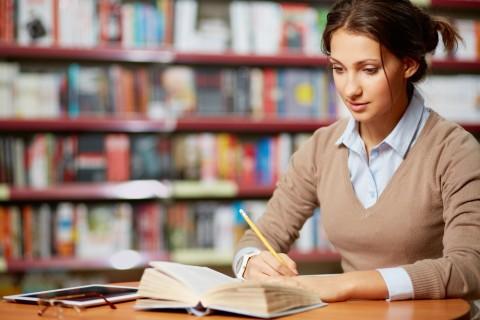勉強法も教えてくれます。「アフロ先生と学ぶ登録販売者最短合格講座」